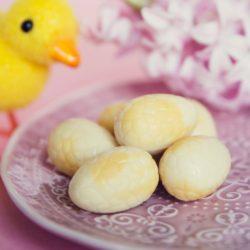 Lemon Cheesecake Egg